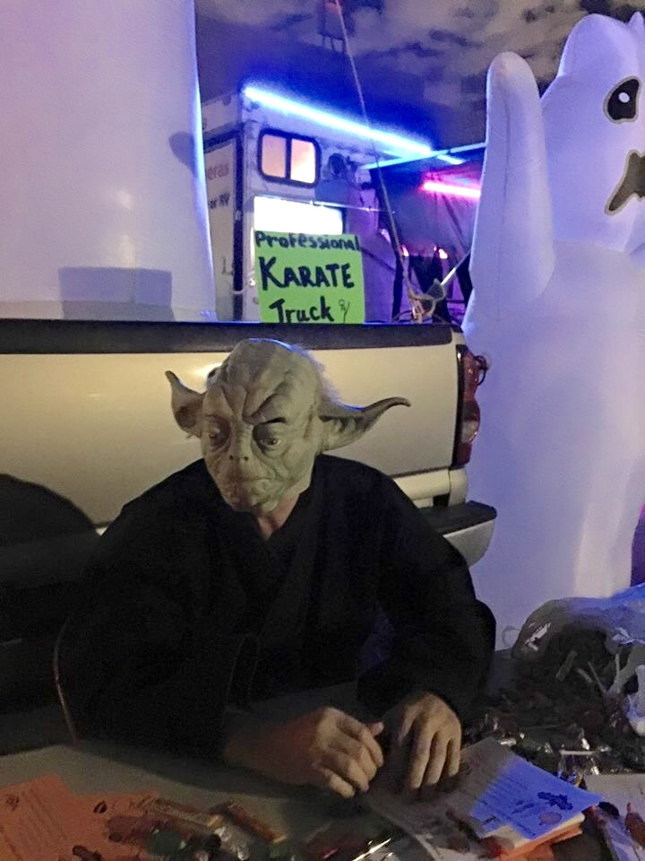 Halloween-Yoda-hands-out-candy-and-lessons